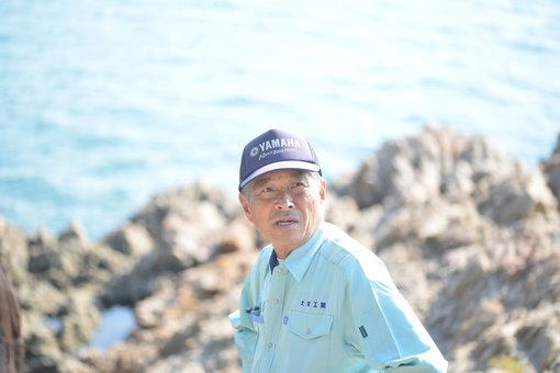 西浦海岸の吉田さん